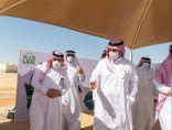 أمير الجوف يقف على المشروعات البلدية بمحافظة القريات.. ويوجه بسفلتة الشوارع الداخلية