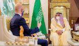 أمير القصيم يستقبل القائم بأعمال سفارة السويد لدى المملكة