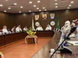 «محافظ رجال ألمع» يشهد ورشتين للاستعداد بالاحتفاء باليوم الوطني الـ90