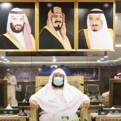 وزير الشؤون الإسلامية يصدر تعميماً بالتوسع في إقامة صلاة العيد بالمساجد والجوامع